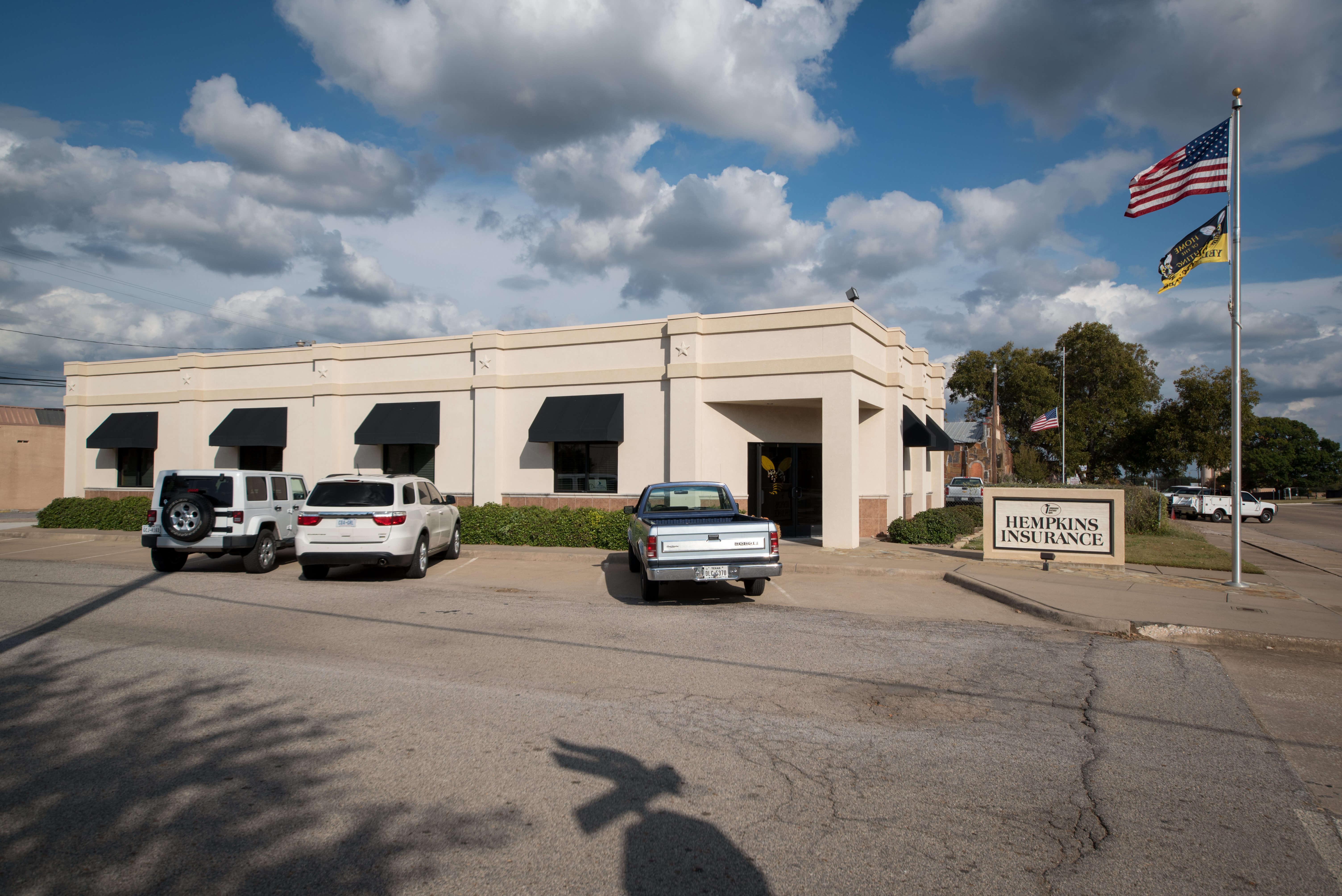Parking Lot View of Hempkins Insurance Denison Office